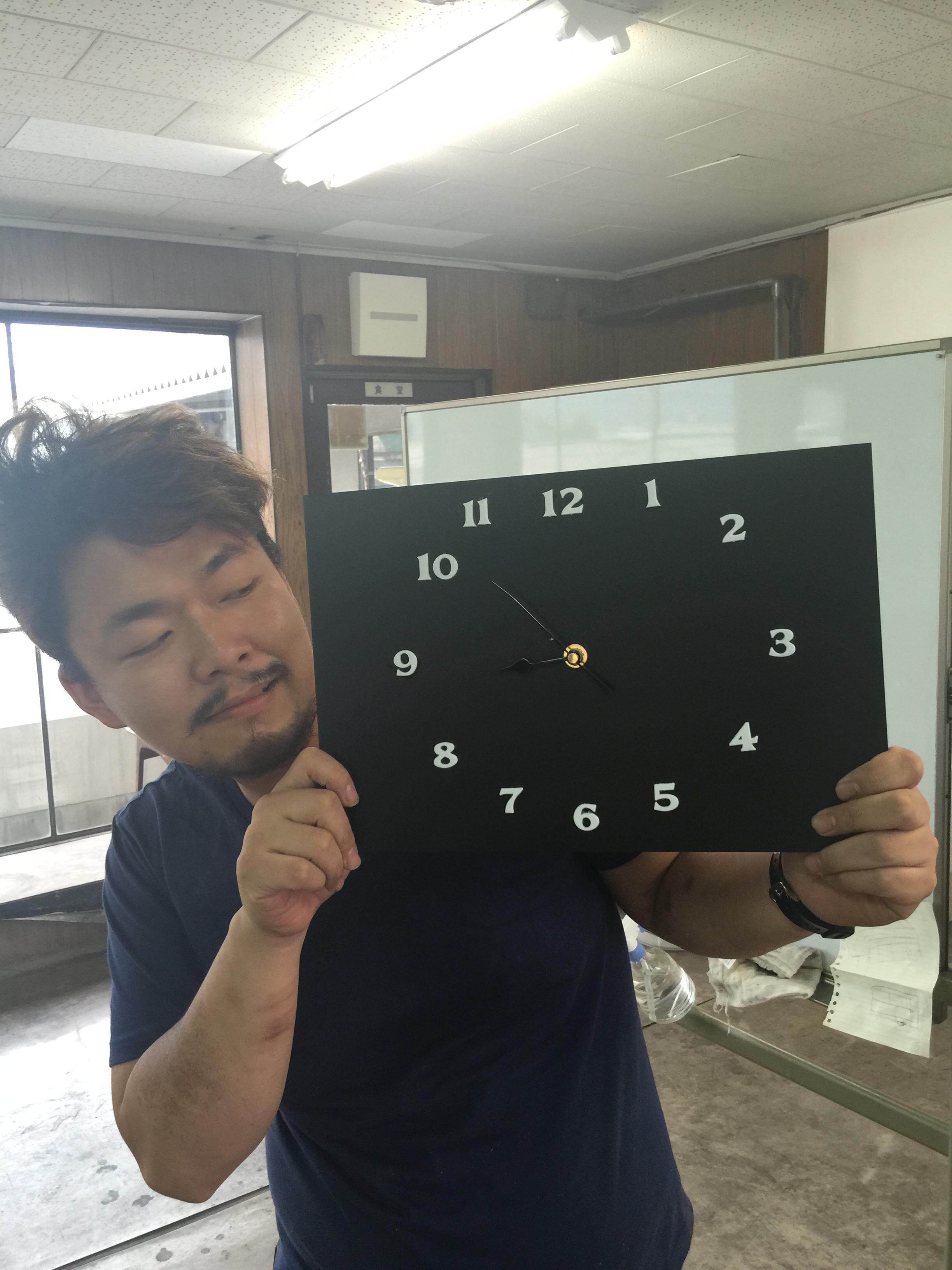 大ちゃん作!黒マットのアクリル時計