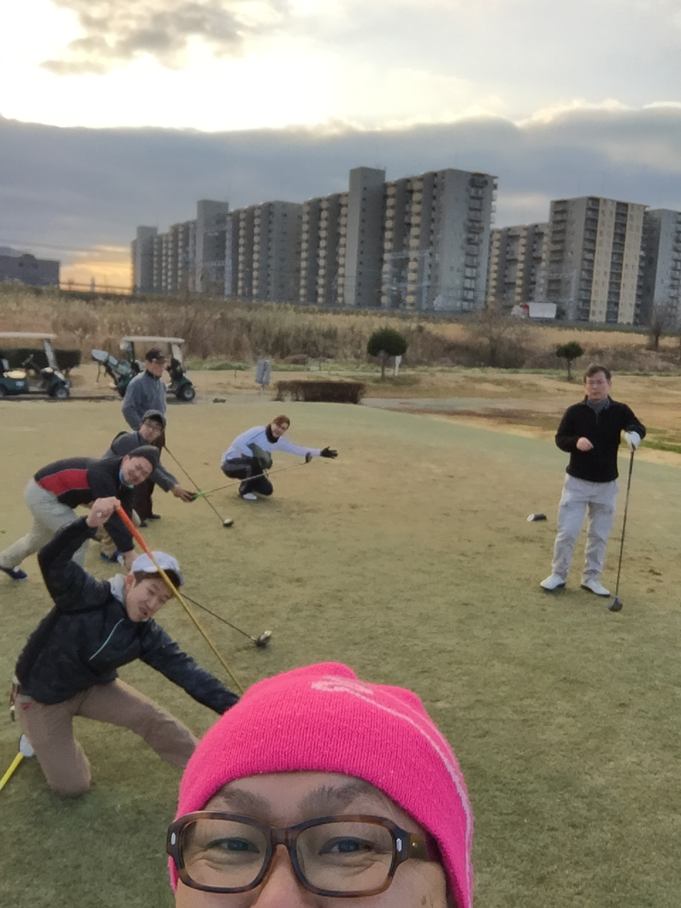 アクリルの加工屋のおっさんは言いました!ほんまに、もうどうやったらゴルフ上手くなれるんやろか!